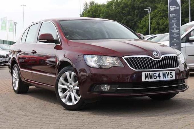SKODA Superb 2.0 TDI CR SE DSG 5-Dr Hatchback